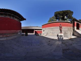 白塔寺内的塑像、殿宇全景