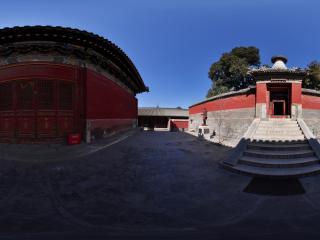 白塔寺内的殿宇全景