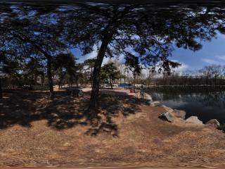 动物园的湖水