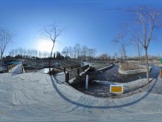 海淀公园三桥而立全景