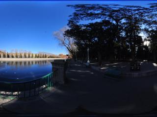中山公园护城河全景