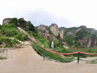 葫芦岛龙潭大峡谷喷泉