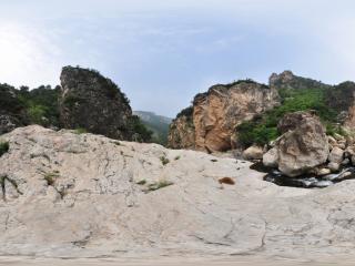 葫芦岛龙潭大峡谷石缸石盆