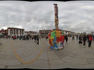 大昭寺广场的焚香塔