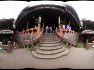 万年寺后的大雄宝殿的圆台子上全景