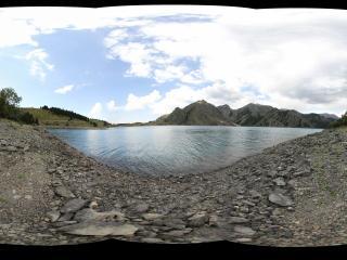 新疆天山原始天池