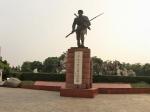 人民公园东门川军抗日阵亡纪念碑全景