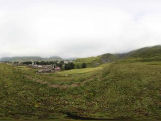 新都桥镇的山坡草甸