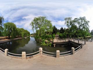 葫芦岛龙湾公园夏景之曲桥