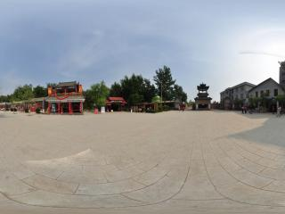 葫芦岛葫芦山庄夏景之迎亲广场