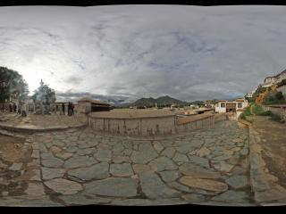 布达拉宫的朝晖全景