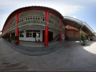 西宁法幢寺内花园全景