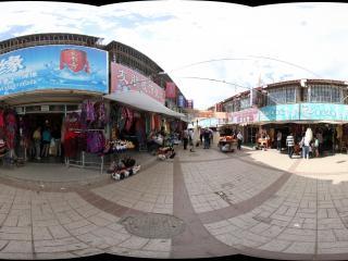 西宁塔尔寺商业街