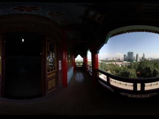 新疆乌鲁木齐天山拍摄从眺望台看乌鲁木齐市南