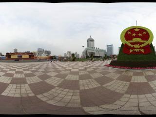 东方红广场的国徽园艺