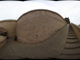 嘉峪关长城城墙上下的台阶