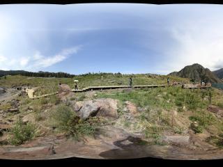 天池的木走廊