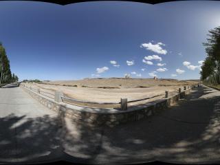兰州莫高窟对面的沙丘大道
