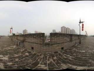 西安鼓楼城墙上看朱雀门大街