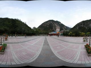 九寨沟入口的广场