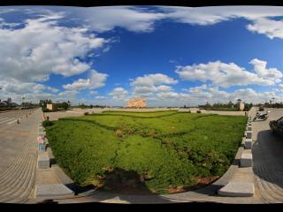 蓬莱阁景区附近的八仙过海广场