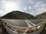 九寨沟回成都路上茂县两河口休息点路边全景