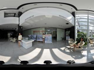 凤子在北大深圳研究生院