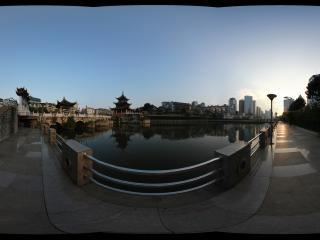 贵阳市甲秀楼的黄昏全景