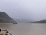 黄河上的采沙船全景