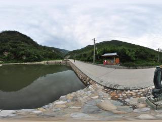 北京千灵山风景区 放生池