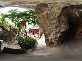 北京千灵山风景区 石洞水井