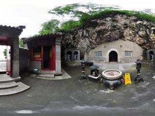 北京千灵山风景区 拜佛