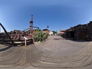 桂林乐满地主题乐园 魔术城堡