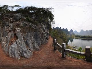 桂林冠岩景区 山路