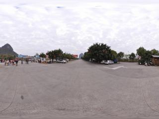 桂林 芦笛岩公园 景区停车场