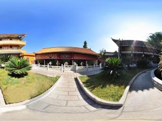 云南岩泉寺
