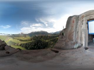上观音石窟全景
