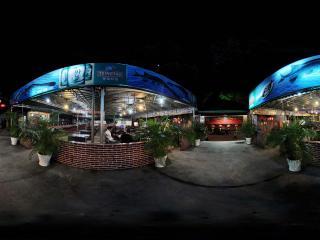 夜晚的深圳香蜜湖的海鲜馆