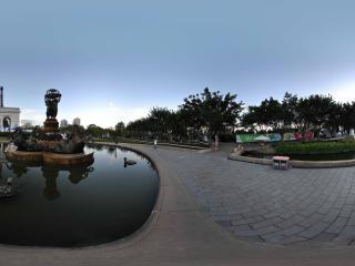 深圳世界之窗凯旋门前的喷水池
