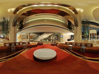 惠州凯宾斯基酒店一楼大厅沙发全景