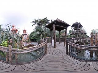 深圳欢乐谷木桥