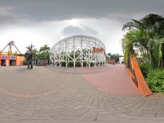 深圳欢乐谷中的游乐设施