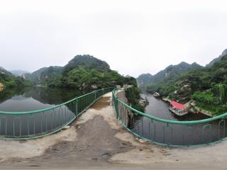 百泉山全景