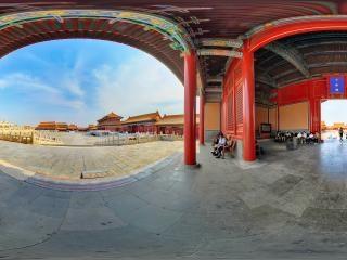 北京—故宫宫门之一