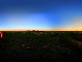 内蒙古—乌兰布统小红山日出全景