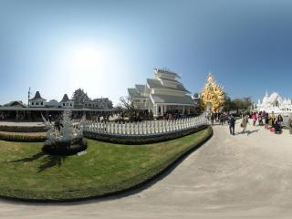 泰国—清莱白庙全景