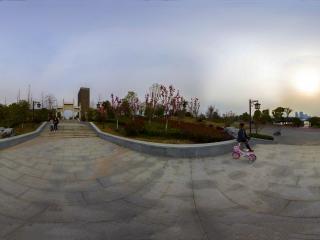 湖北—黄冈遗爱湖公园东门全景