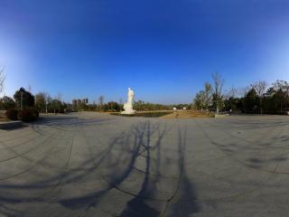 湖北—黄冈遗爱湖公园苏东坡像全景