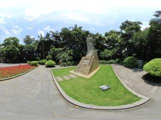 广西—柳州柳宗元石像全景