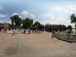 北京—后海银锭桥上全景